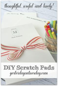 How to make DIY Scratch Pads for yourself or as a thoughtful gift idea, perfect Christmas present for friends, family, neighbors and teachers! Christmas Presents For Friends, Gifts For Family, Gifts For Friends, Friends Family, Friend Gifts, Craft Gifts, Diy Gifts, Do It Yourself Inspiration, Neighbor Gifts