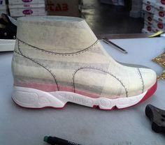 No photo description available. Mens Fashion Shoes, Sneakers Fashion, Shoe Template, Shoe Sketches, Shoe Last, Shoe Pattern, Leather Pattern, How To Make Shoes, Designer Boots