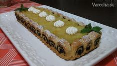 Na upecenie tohoto kolaca som sa inspirovala tymto receptom. http://www.taste.com.au/recipes/41331/apple+and+rhubarb+high+pie?ref=gallery,1074