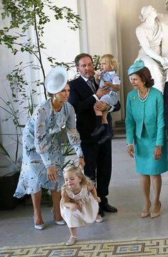 Leonore makes her own show on Victoria's birthday, July 2017 Pictures Of Princesses, Swedish Royalty, Kate Middleton Prince William, Queen Silvia, Royal Clothing, Casa Real, Princess Madeleine, Crown Princess Victoria, Royal House