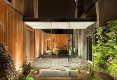 The lighting, the privacy, the flow in-to-out, this is good stuff. This is Matt Gibson's work, an architect in Melbourne.