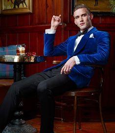 Mens Fashion Suits, Mens Suits, Mens Attire, Tuxedo For Men, Velvet Jacket, Sport Casual, Office Outfits, Sexy Men, Hot Men