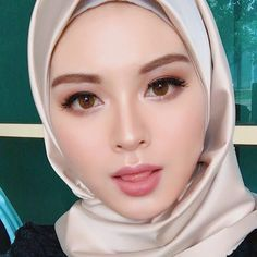 Good evening semua❤️ Done for today. Lipmatte @gwiyomi.beaute , Code: Cheer up Seoul. Make up by @yaana.lee