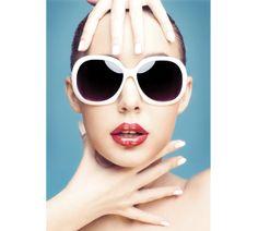 How to Choose Sunglasses to Flatter Your Face by Amna Hashmi, tribune.com.pk #Sunglasses #Frames
