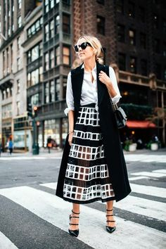 Try These 25 Chic Sleeveless Blazer Outfits In Every Season