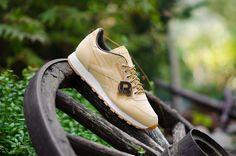 Reebok Classic Leather Miodowa wersja klasycznych butów