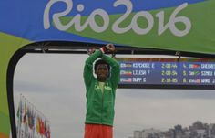 JO 2016: Médaille d'argent sur le marathon, un Ethiopien défie son gouvernement…