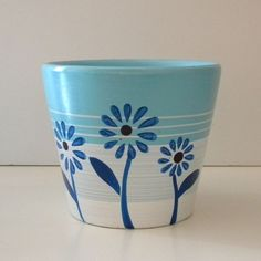 create faux french herb pots from dollar store pots, crafts Flower Pot Art, Flower Pot Crafts, Clay Pot Crafts, Pots D'argile, Herb Pots, Clay Pots, Painted Plant Pots, Painted Flower Pots, Decorated Flower Pots
