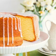 Today On Parade This amazing lemon sour cream pound cake is a recipe from my just released Melissa's Southern Cookbook. This cookbook was a labor of love as I share some of my own family's favorite (Favorite Cake Sour Cream) Banana Pudding Cream Cheese, Lemon Sour Cream Cake, Lemon Cream Cheese Pound Cake Recipe, Million Dollar Pound Cake, Scones, Pound Cake Recipes, Pound Cakes, Frosting Recipes, Lemon Recipes