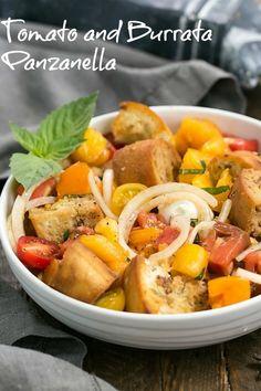 Summer Tomato and Burrata Panzanella Salad - the best of summer in every bite! #summersalad #panzanella #tomatosalad #Italiansalad