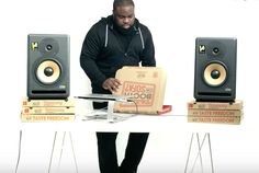"""""""Pizza Hut"""" delivers the world's first playable pizza box with DJ decks"""