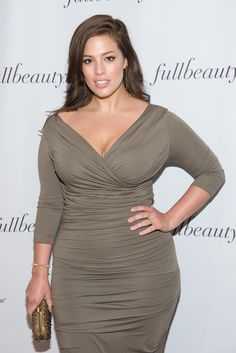 You need to see this photo of Ashley Graham Graham Model, Ashley Graham Style, Fashion Models, Fashion Outfits, Famous Women, Classy Women, Plus Size Women, Gorgeous Women, Beauty Women