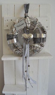 Wreath grey/silver