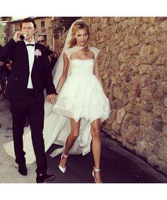 Anja Rubik short wedding dress with long train white Mini Wedding Dresses, Wedding Dress 2013, Bridal Dresses, Anja Rubik, Wedding Looks, Dream Wedding, Look At You, The Dress, Wedding Styles