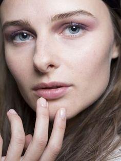 How to pull off pretty purple eyeshadow
