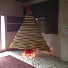 Albero di natale con tubi di cartone natale pinterest for Tubi cartone