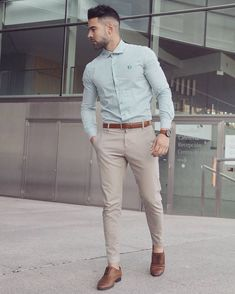 Casual interview attire for men is an important topic. So, we have put together the best business casual outfits for men. Take a look to get inspiration! Best Business Casual Outfits, Business Attire For Men, Stylish Mens Outfits, Mens Dress Outfits, Dress Clothes For Men, Simple Outfits, Nice Outfits For Men, Man Outfit, Party Outfits
