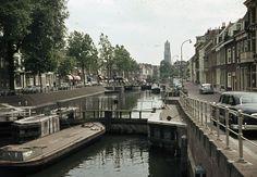 1960-1965. Gezicht op de Weerdsluis te Utrecht, met links de Bemuurde Weerd O.Z. en rechts de Bemuurde Weerd W.Z. Utrecht, Holland, Historia, The Nederlands, The Netherlands, Netherlands