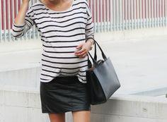 On cautionne le detail du teeshirt legerement rentre! | Blog | The Good Karma Shop #modefemmeceinte #jerestechic