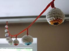 The listing is for 1 Halloween garland, which conteins of 1 metr red hand-crocheted cotton rope with 10 crocheted multicolor eyeballs for party home or outdoors Halloween decor. *Great idea for school class spooky humor decoration. These bloody scary eyeball toys make halloween