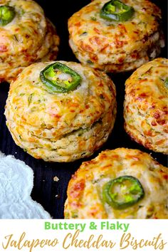 Queso Cheddar, Jalapeno Cheddar, Jalapeno Recipes, Cheddar Cheese, Jalapeno Cheese Bread, Bacon Recipes, Bread Recipes, Canned Butter, Good Food