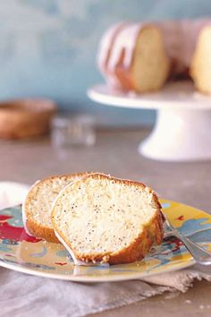 #Oil #simple #minutes As far as simple poppy seed cakes go this vanilla bundt cake ticks all the boxes It uses oil for extra moisture and quick mixing so you can whip up the batter in 15 minutes With the right amount of sweetness and crunch from the poppy seeds it is bound to become your goto recipe from now onbrp classfirstletterThe utmost current web page sharing about minutespIf you use this pin where unique size is required the width and height of the pin will also be very important to… Goto Recipe, Poppy Seed Bundt Cake, Bundt Cake Pan, Bundt Cakes, Lemon Cream Cake, Cold Cake, Chocolate Glaze, Cake Flour, Ticks