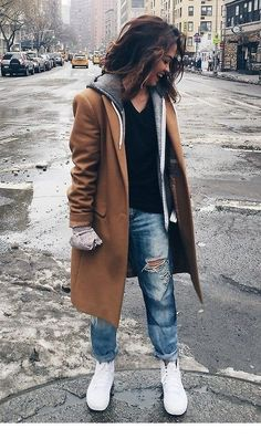 Amazing Winter Outfit with Boyfriend Jeans Tomboy Winter Outfits, Jeans Outfit Winter, Winter Outfits For Work, Warm Outfits, Winter Fashion Outfits, Jean Outfits, Simple Outfits, Cool Outfits, Autumn Outfits