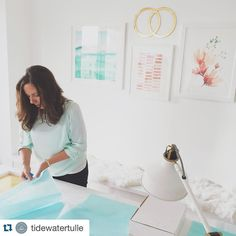 #Repost from @tidewatertulle... A little sneak peek at what the #aislesociety ladies are up to today at @createstudionyc  For our last day in NYC we are shooting and filming with @alexisjunewed & @kissthebridefilms for upcoming @aislesociety office styling and wedding goodness! Jessica of @budgetsavvybride is rocking out a little DIY action and we can't wait to share once the website goes live!  // #aislesocietyinnyc #budgetsavvybride #craftersgonnacraft #aislesocietyblogger