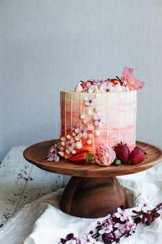Strawberry & Vanilla Bean Cake with Strawberry Meringue Kisses & White Chocolate Ganache   Hint of Vanilla