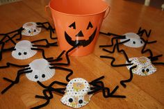 muffin paper halloween spiders