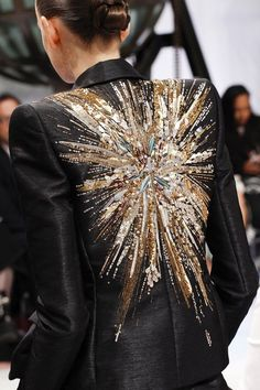 Schiaparelli Fall 2016 Couture Fashion Show,Sequin embellished jacket back; couture fashion details // Schiaparelli Fall 2016 Good some ideas for wonderful embroidery By embroidering wonderful d. Couture Fashion, Fashion Beauty, Fashion Show, Womens Fashion, Fashion Trends, Face Fashion, High Fashion, Cheap Fashion, Fashion Hacks