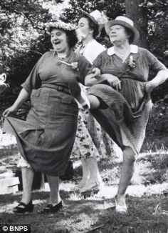 The Sisterhood of the Split Pants – Wine and Cheese (Doodles) Vintage Pictures, Old Pictures, Old Photos, Old Lady Humor, Young At Heart, Vintage Photographs, Friends Forever, Belle Photo, Black And White Photography