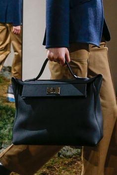 e3a79f95f848 The complete Hermès Pre-Fall 2018 fashion show now on Vogue Runway.   Designerhandbags