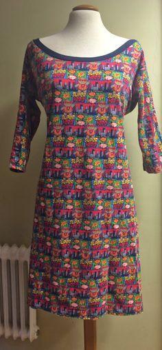 9c6f035d9c4a Jag har sytt flera fina klänningar till mej i trikå. Den här modellen är  lätt