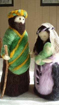 Pesebres en lana afieltrada - Folkvox - Imágenes que hablan de mí - Christmas Nativity, Christmas Crafts, Xmas, Felt Angel, Nature Table, Waldorf Dolls, Felt Dolls, Felt Art, Christmas Decorations To Make