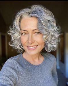 Grey Hair Don't Care, Grey Curly Hair, Wavy Hair, Medium Hair Cuts, Medium Hair Styles, Curly Hair Styles, Grey Hair Transformation, Grey Hair Inspiration, Gray Hair Highlights
