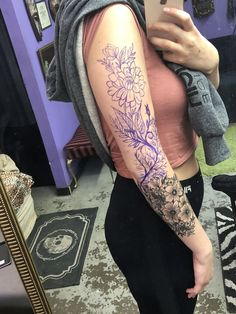 Best Small Tattoo Designs for Women 2019 - Page 11 of 62 - belikeanactress. com - Tattoo 50 Arm Floral Tattoo Designs For Women 2019 Page 34 of 50 Tattoo ideen Badass Tattoos, Leg Tattoos, Body Art Tattoos, Small Tattoos, Girl Tattoos, Sleeve Tattoos, Henna Arm Tattoo, Tatoos, Tattoo Sleeves