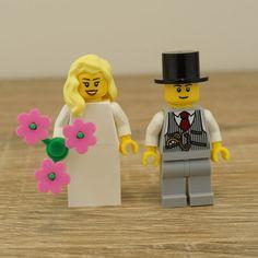 Lego bride and groom, Lego cake topper, Lego cake toppers, Lego wedding cake topper, Lego Wedding, Lego Couple, Lego minifigures, Lego