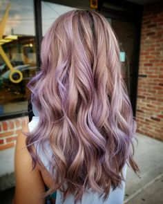 38 Pops of Purple Hair Color Ideas You Have to See - chic better Ash Brown Hair With Highlights, Brown Hair With Blonde Balayage, Copper Balayage, Hair Color Balayage, Purple Highlights Blonde Hair, Purple Peekaboo Highlights, Thick Highlights, Lavender Highlights, Honey Highlights