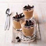 Kahvilla ja suklaalla maustettu rahkavaahto