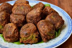 Falafel, chiftele de naut - CAIETUL CU RETETE Falafel, Muffin, Breakfast, Food, Morning Coffee, Falafels, Muffins, Meals, Cupcakes