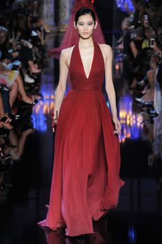 Elie Saab Fall-winter 2014-2015 - Couture - http://www.flip-zone.net/fashion/couture-1/fashion-houses/elie-saab-4809 - ©PixelFormula