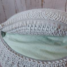 Háčkovaný puf, taburet, kobereček, košík Diy Crochet And Knitting, Crochet Motifs, Crochet Clothes, Hand Crochet, Crotchet Bags, Crop Top Pattern, Handbag Patterns, Crochet Crop Top, Crochet Handbags