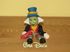 Disney Jiminy Cricket polymer clay / fondant picture tutorial