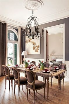 Find inspiration for your dining room lighting design no matter the style or size. Get ideas for chandeliers, drum lights, or a mix of fixtures above your dining table. inspiration for Dining Room Lighting Ideas to add to your own home. Dining Room Design, Dining Room Furniture, Dining Area, Dining Chairs, Antique Furniture, Outdoor Furniture, Dining Room Inspiration, Classic Interior, Brown Interior