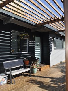 Mesmerizing Renovation Ideas for Mid-Century Modern Home: Awesome Traditional Porch Wooden Bench Mid Century Berkeley