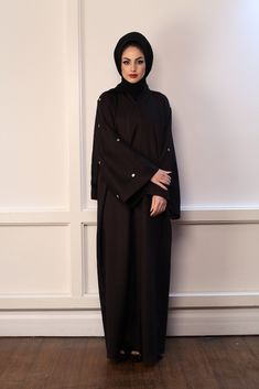 This Abaya is on custom order and will take 3 working weeks for delivery Abaya Fashion, Muslim Fashion, Fashion Outfits, Simple Abaya Designs, Abaya Pattern, Modern Abaya, Hijab Evening Dress, Black Abaya, Modest Wear