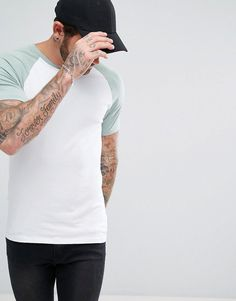 Find the best selection of ASOS Muscle Fit T-Shirt With Contrast Raglan. Shop today with free delivery and returns (Ts&Cs apply) with ASOS! Fred Perry, Best Brand, Skinny Fit, Lacoste, Tommy Hilfiger, Latest Trends, Contrast, Asos, Polo Ralph Lauren