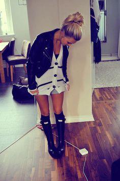 H Fake Leather Jacket, Hunter Rubberboots, Vila Oversized Cardigan, Knee Socks
