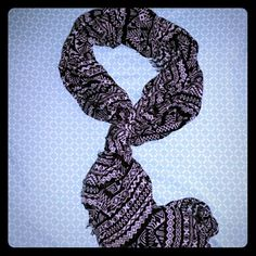 Aztec print black and white Aeropostale scarf Beautiful Aztec print scarf  Very light weight brand new with tags   Material: 100% Rayon Aeropostale Accessories Scarves & Wraps